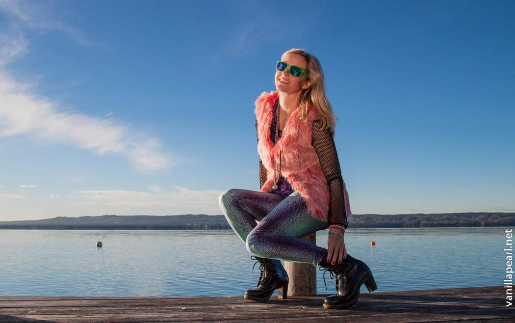 Fellweste und Lycraleggings von Arcanum Fashion