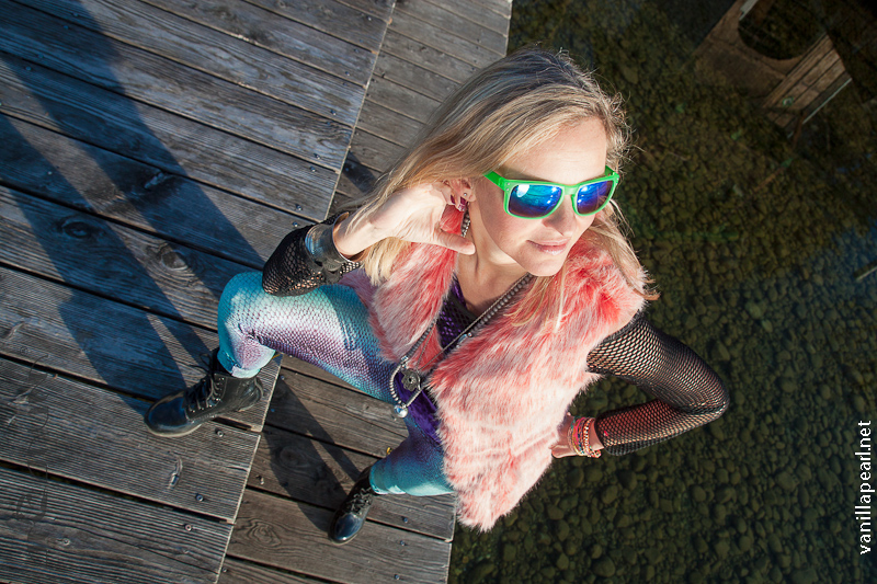 Christina - Vanilla Pearl wearing Arcanum leggings and fur vest in Starnberg