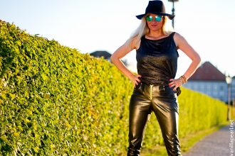 christina-vanilla-pearl-black vegan leather pants Arcanum Fashion in Munich