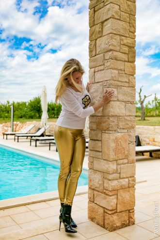 goldene Lackleggings made by Christina