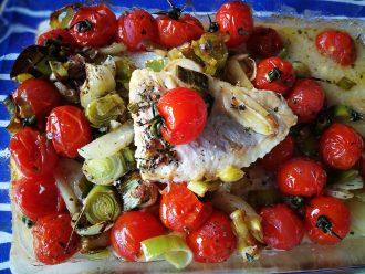 Fischrezept mit Tomaten und Lauch