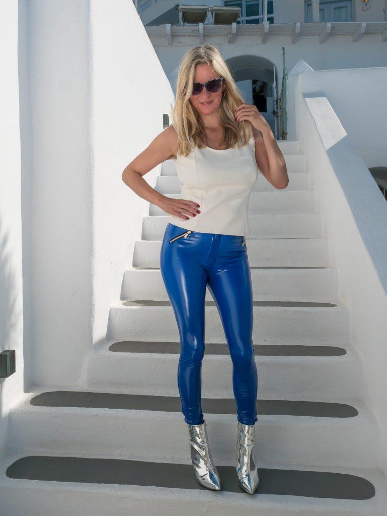 Chritstina, VanillaPearl, in blue vinylpants Arcanum Supershine! Royal - in Santorini, Greece