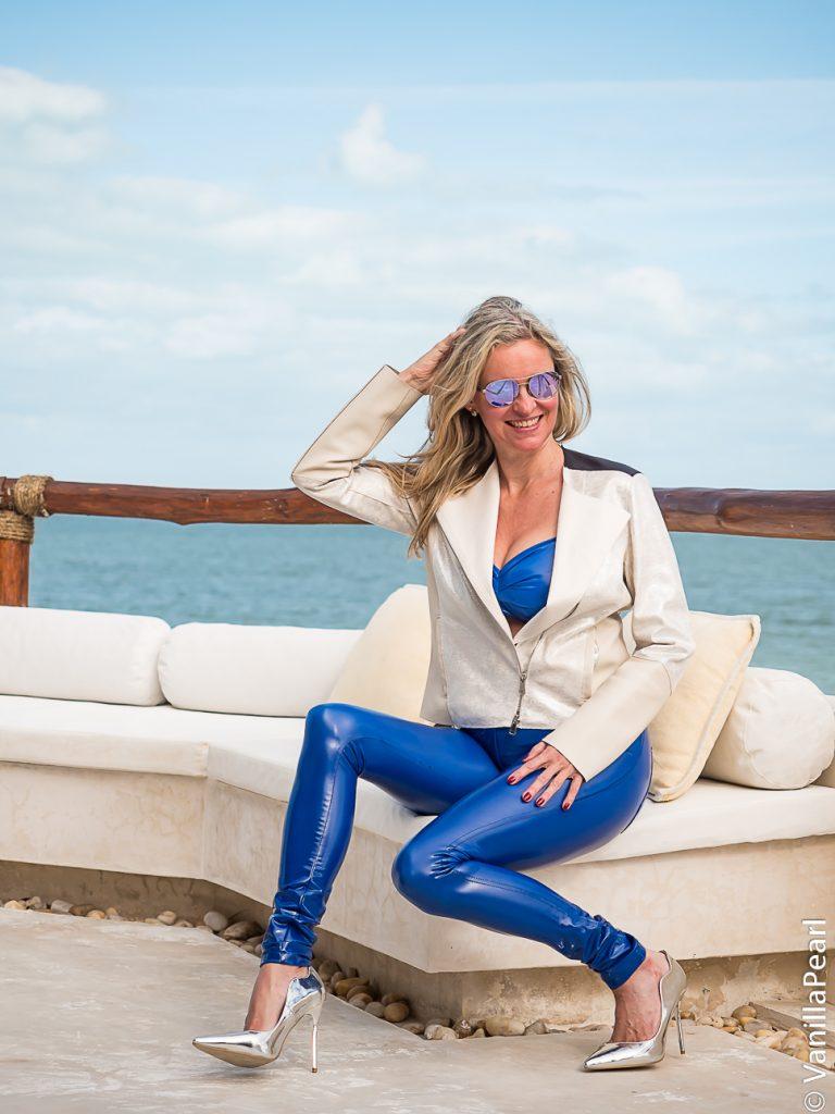 Christina, VanillaPearl in Arcanum blue vinylpants SuperShine! Royal in Mexico, Isla Holbox