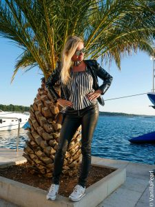 Christina with black leather pants from Arcanum in Porec