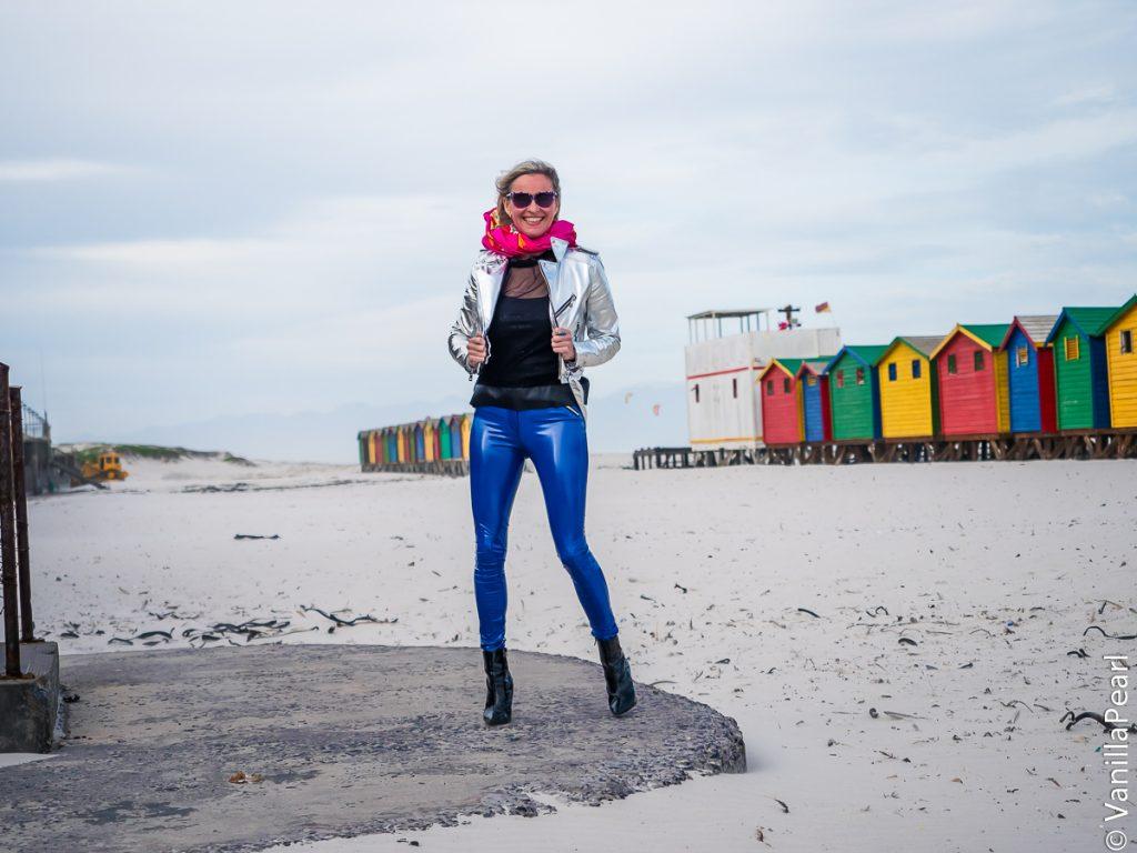 Christina Striewski Vanillapearl mit blauer Lackhose , schwarzer Lederhose von Arcanum und pinker Lederhose selfmade in Kapstadt