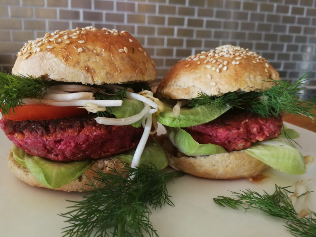 Beetroot Burger with selfmate bread created by Christina Striewski Vanillapearl , healthy and yummy