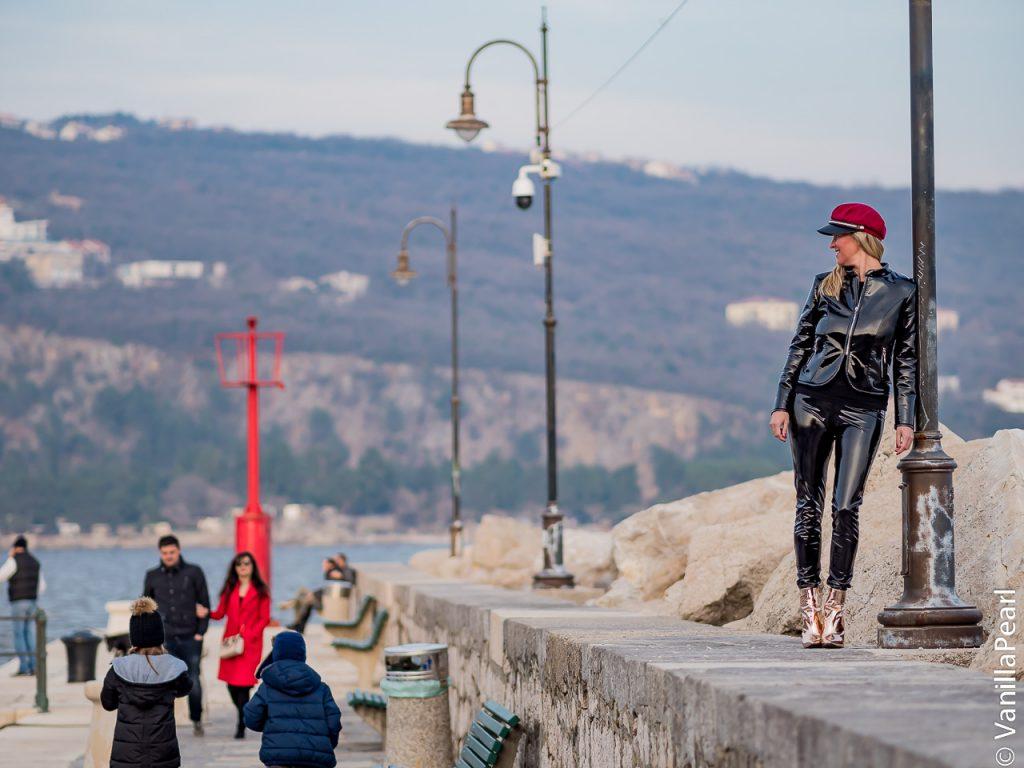 Christina Striewski Vanillapearl mit schwarzem Lackoutfit in Volosko Kroatien