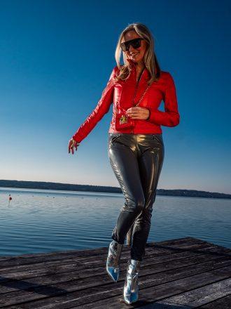 Christina mit roter Lederjacke von Arcanum